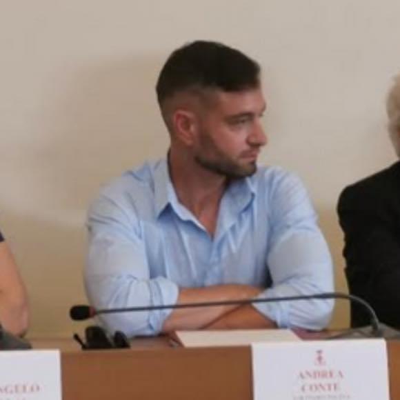 Giuseppe Conte spiega il nuovo Dpcm e fa un appello ai giovani